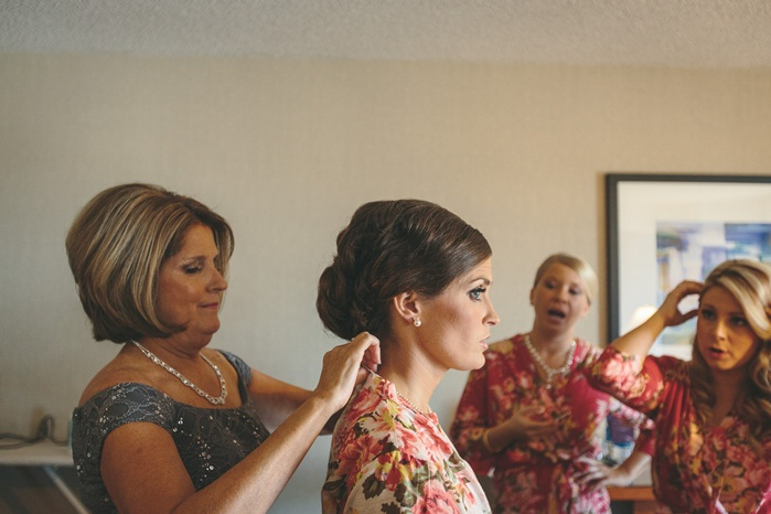 LADIES getting ready-52